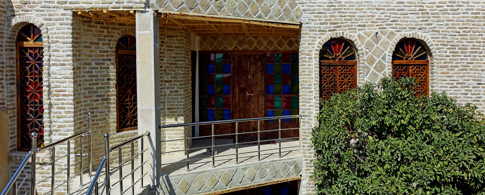 Hotel Shiraz, Raz Traditional House